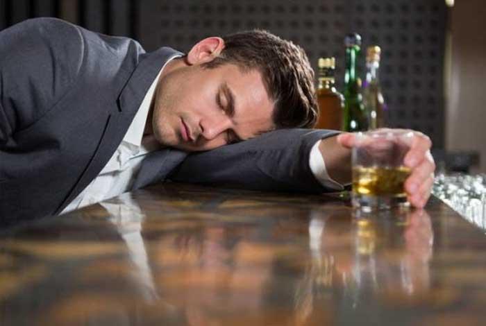 symptoms of alcoholism