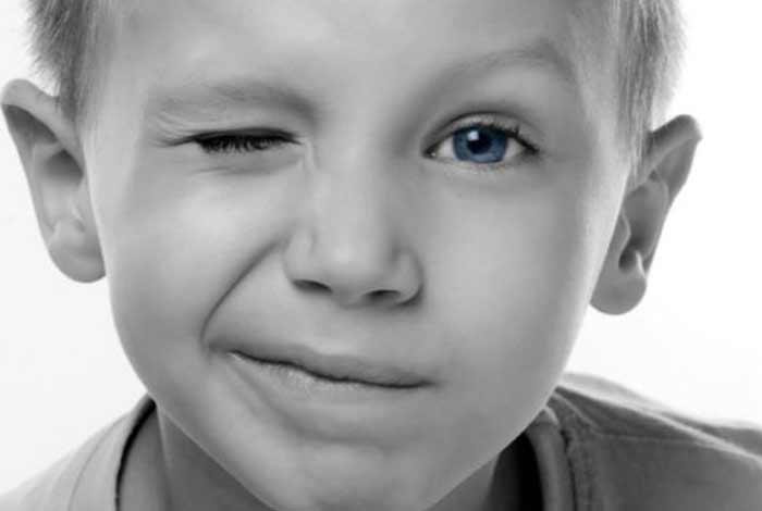 symptoms of tourette syndrome
